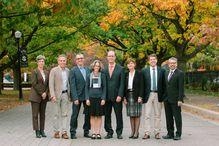 De gauche à droite, Dominique Chartier, Michel Labrecque (professeur associé au Département de sciences biologiques), Charles-Mathieu Brunelle (directeur général d'Espace pour la vie et président du conseil de l'IRBV), Anne Bruneau, Jacques Brisson, Tania Saba, Frédéric Bouchard et Mario Pinto.