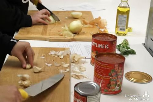Cuisiner avec les carabins udemnouvelles for Articles cuisine montreal