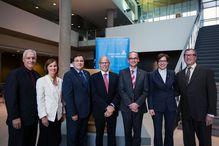 From left to right : Yvan Gendron, President and General Manager, CIUSSS, Hélène Boisjoly, Dean of Faculty of Medecine, Guy Breton, Rector, William Brock, Jean Roy, Professor and holder of the Chair, Maryse Bertrand, Daniel Weisdorf, Professor at University of Minnesota.